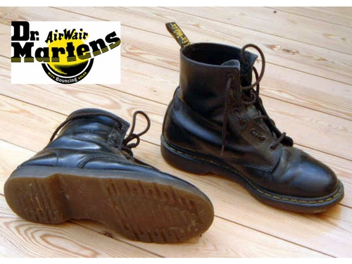 bbce55513945 A ikonikus cipő megszületésének idején, az 1960-as években példátlan  változáson ment keresztül a társadalom. Ebben a radikális atmoszférában  jellemző volt ...