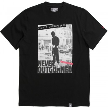 Outnumbered T - black